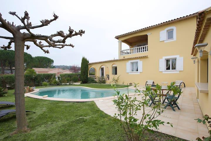 Villa Provençale, la Cigaliére. - Gaujac
