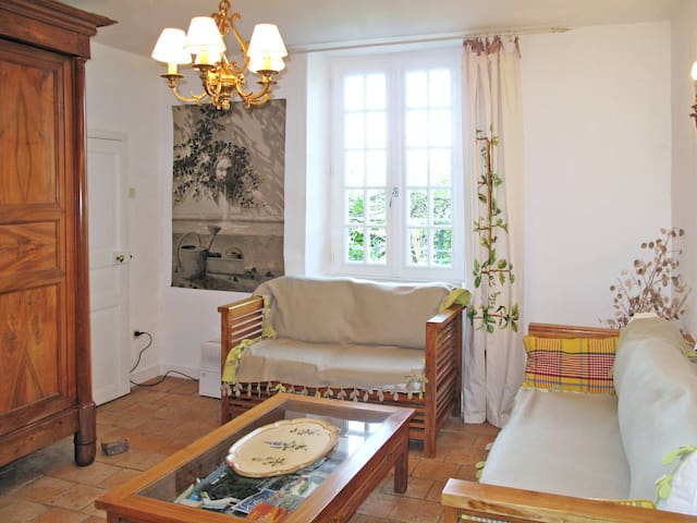 Holiday home in St. Sulpice-les-Feuilles - St. Sulpice-les-Feuilles - Casa