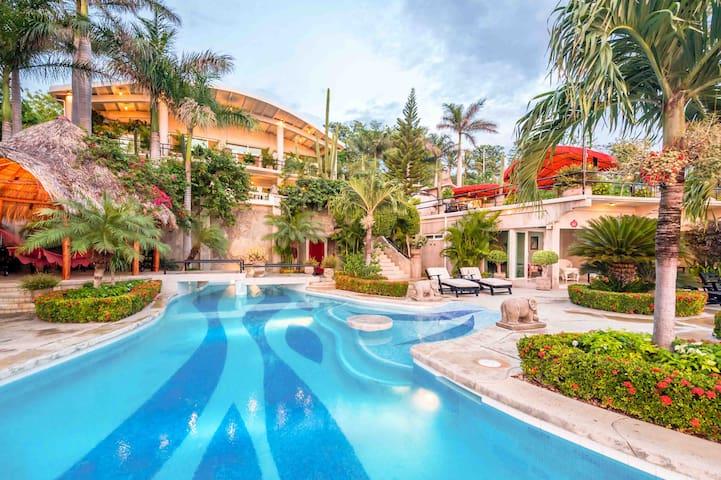 Private Villa with Spectacular Views & 2 Pools - San Juan del Sur