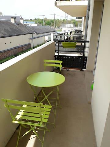 Trois pièces tout confort avec park - Dreux - Apartemen