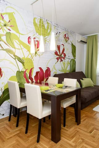 Modern apartment with view on the city - Novi Sad - Appartement