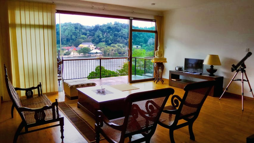 LAKEVIEW POINTE - 3 BEDROOM APARTMENT SUITE - Kandy  - Apartment