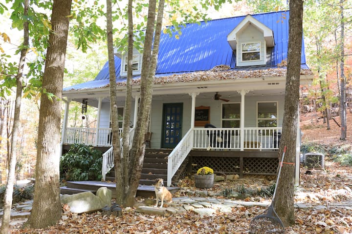 Oakleaf Cottage, Quiet Scenery near Chattanooga - Trenton - Huis