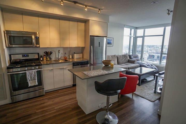 Brand New Apartment - Great Location, Great View! - Calgary - Leilighet