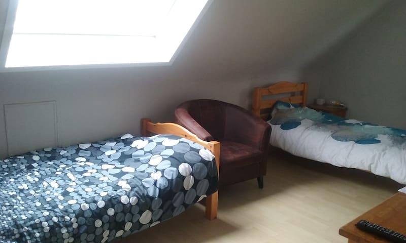 2 chambres dans maison avec jardin - Bondues - Hus