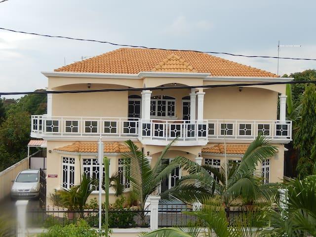 La Mirage Guest house - Central Flacq - Szoba reggelivel