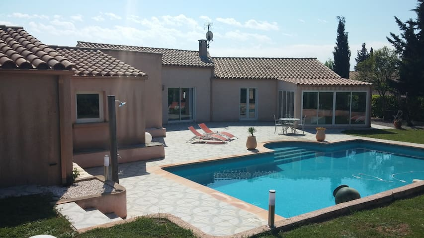 Les Vallons Guestroom - Narbonne - Huis