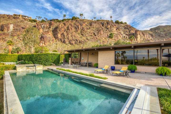 The Overlook: Highest Airbnb in PS - Palm Springs - Maison