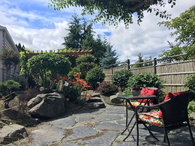 Guesthouse with Japanese Garden - Seattle - Huis