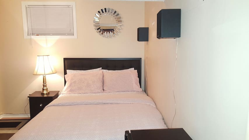 Spacious and Quiet place- Off 401 Hwy - Cambridge - Dom