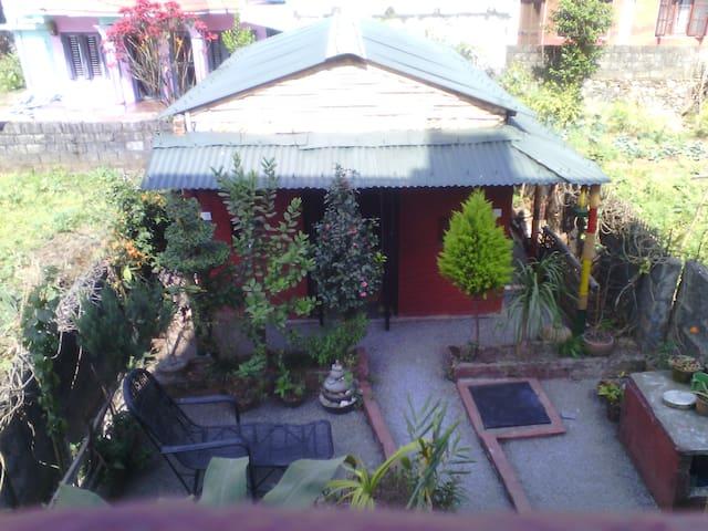 Backyard Garden Cottage in the City - Pokhara - Hut