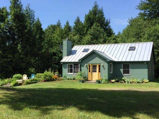 Artist's Cottage - Montgomery Center - Casa