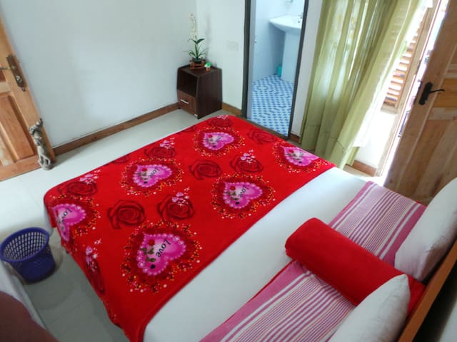 Room with Private Terrace - Room #2 - Nallathanniya - Hus