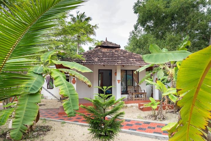 Cottage on Marari Beach - twin bed a/c - Mararikulam