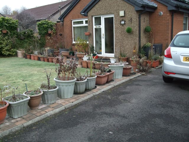 Home from home - Livingston - Bungalow