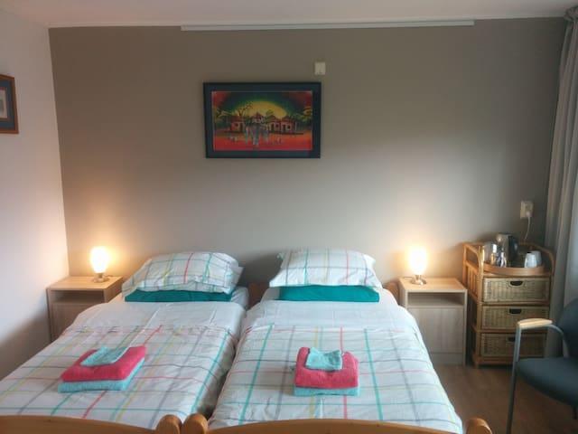 Odding's place Satara room - Hardenberg - Pousada