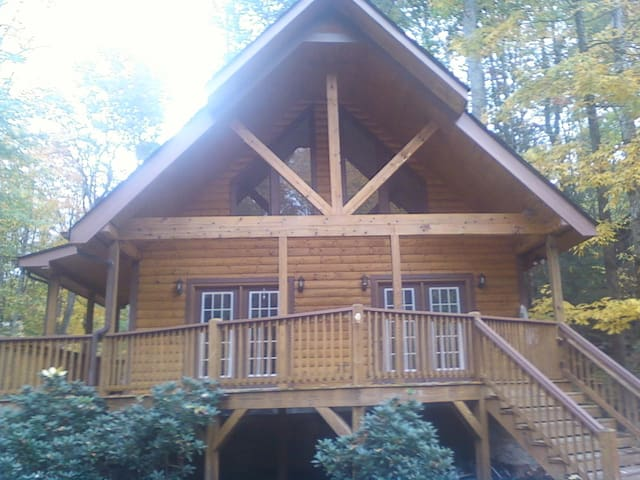 Unfurnished room to rent for a few days - Maggie Valley - Σπίτι