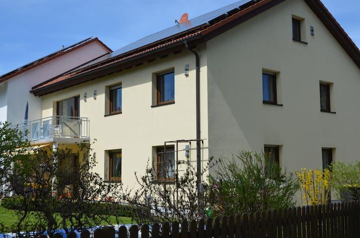 Modern eingerichtete 95 qm Wohnung - Landsberg am Lech - Apartamento