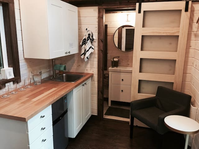 The Tize Tiny Home - Roberts Creek