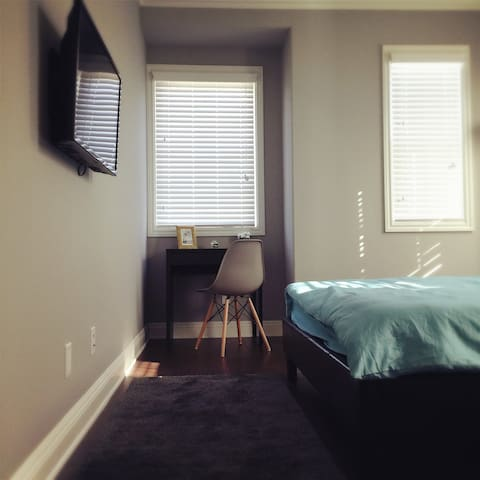 Beautiful Bedroom with Private Bath Room - Temple City - Villa