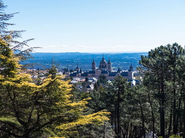 Magnificent views to the Monastery - San Lorenzo de El Escorial - Hus