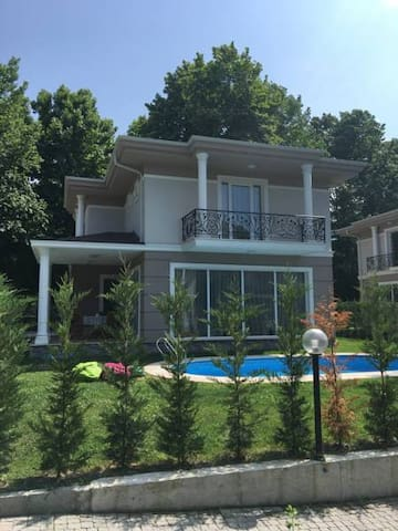 Villa Lilium - Sapanca - Villa