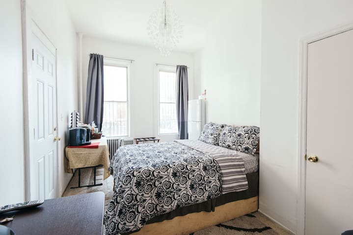 Own entrance private room &bathroom - Brooklyn