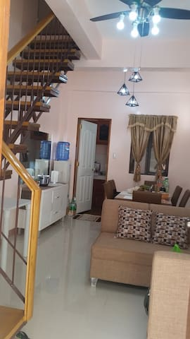 UptownHill : Sunny, family-friendly apartment - Tagbilaran City - Appartement