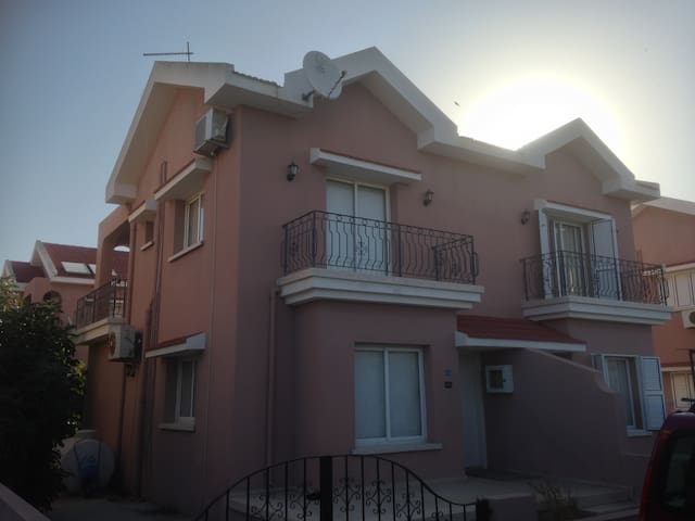 Bogaz Holiday Apartment With Pool - Karpaşa