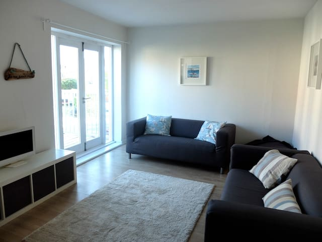 Sea Mist, bright and spacious apartment near beach - スワネッジ - アパート