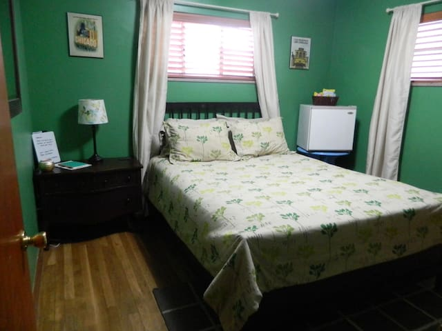 Comfy room close to OSU/downtown! - コロンバス - 一軒家