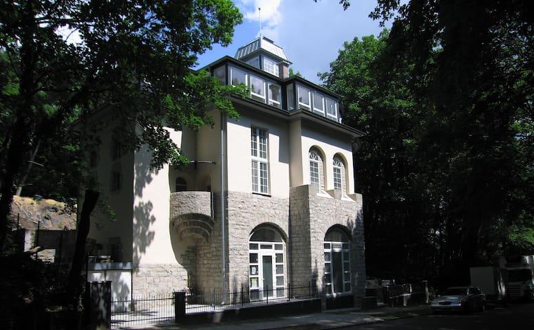 moderne Wohnung im alten Umspannwerk - Berlín - Pis
