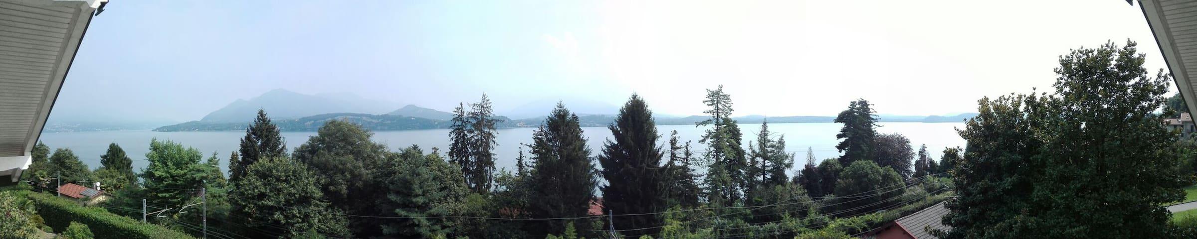 Appartamento nel cuore del Lago Maggiore - Belgirate - アパート