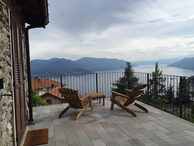 Baita in sasso vista lago - Maccagno - Ev