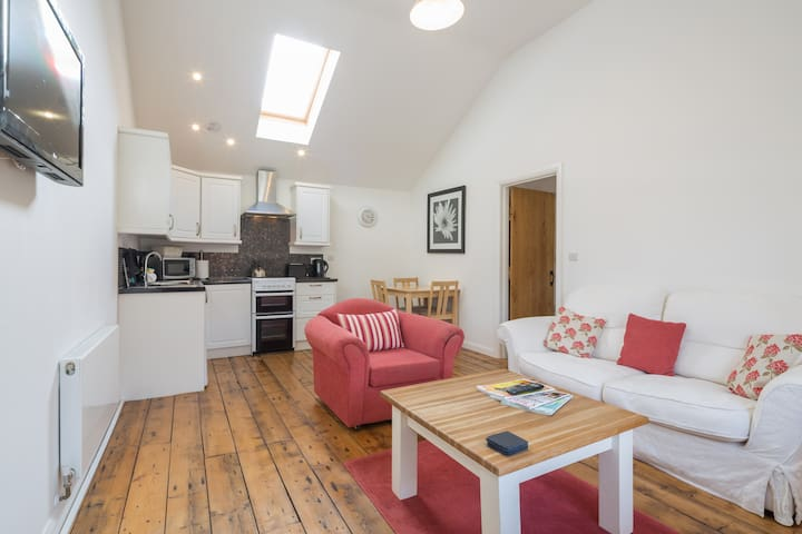 Chevey Cottage  At Emerald Cottage - Levens Green - Appartement