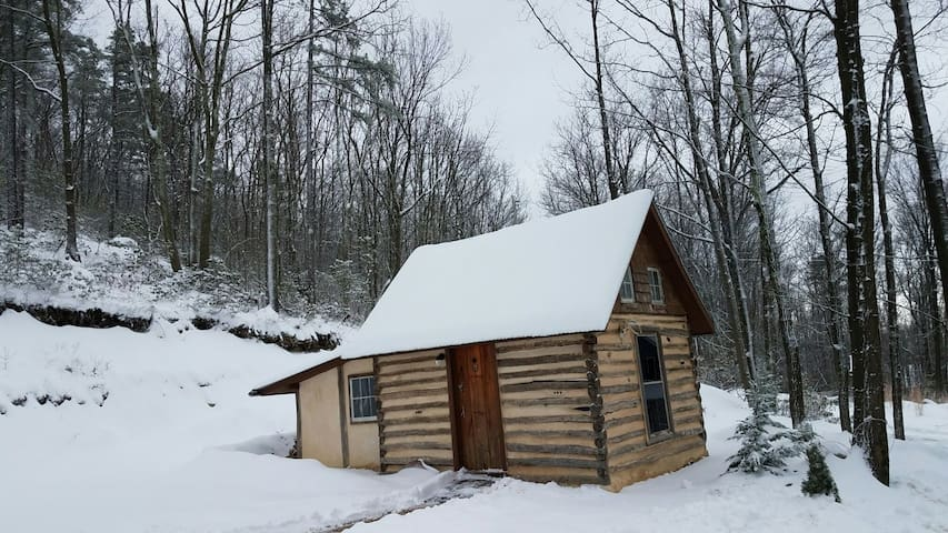 Log cabin on the Appalachian Trail - Harpers Ferry - Cabane