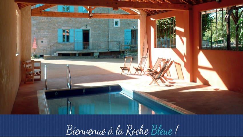 Grande maison familiale avec jardin clos - La Roche-Vineuse - Huis