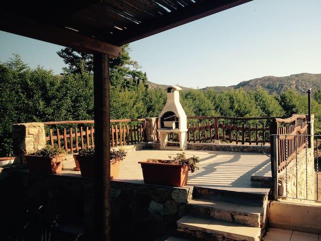 villa vacanze LIMòN con giardino bbq e solarium - Сан-Теодоро - Дом