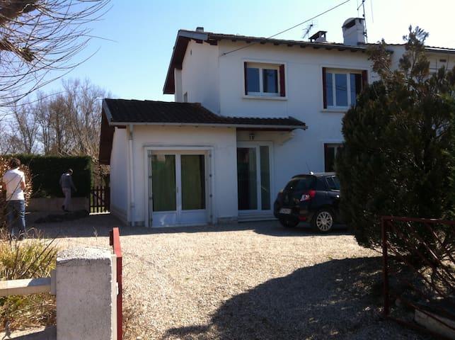 236 - Castres - Huis