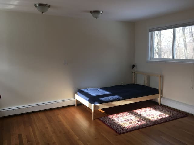 Beautiful Sunny Room in Croton on Hudson - Crugers