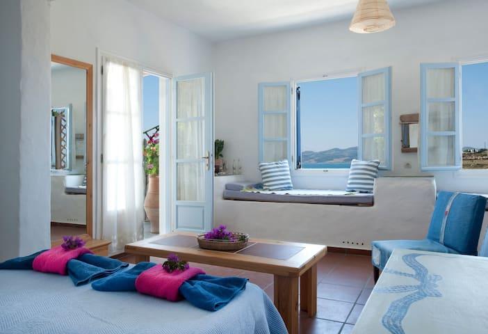 "HUGE sea view terrace, ""Valdan"" studio - Paros - Apartment"