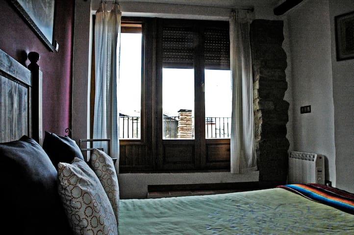 Casa Rural Lugaré - Ayerbe - Ev