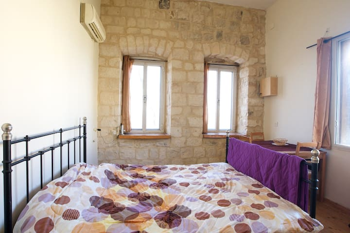 ★Charming Old City 2BR★Couples Gataway | Balcony - Safed