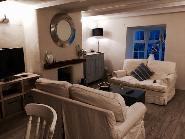 NEW! Stunningly Refurbished Cornish Cottage - Tregony - 獨棟