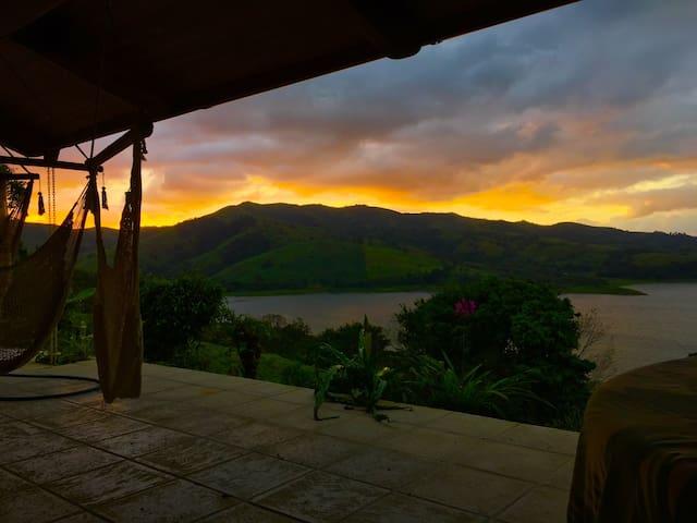 Hacienda Cabalonga, Monteverde area - Río Chiquito