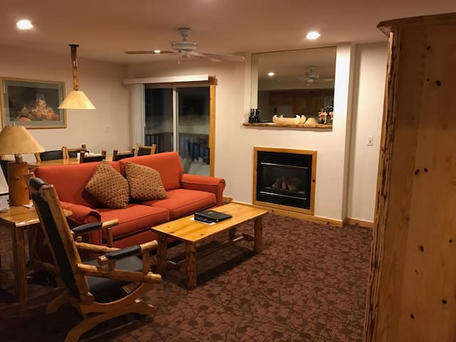 Ski in/Ski out suite available! - Olympic Valley - Annat