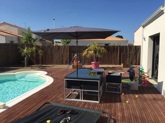 Belle maison avec piscine et spa. - Saint-Brevin-les-Pins - Casa