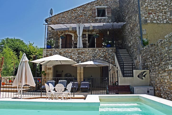Character Cottage with Private Heated Pool - Brouzet-lès-Alès - Casa