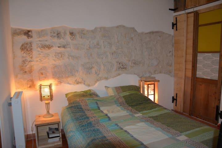 Appartement 40m2 centre historique de Vence - Vence - Daire