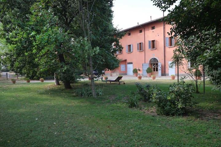 Country  B&B Prato dei Conigli: double room - Castelfranco Emilia - Bed & Breakfast
